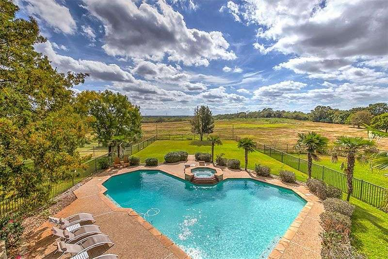 Riverwalk's Addiction Treatment Ranch with pool in Dallas